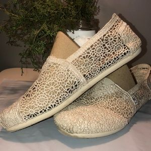 TOMS Natural Morocco Crochet Flats Size W10